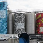 Silos peints sur le port - visite d'Auckland
